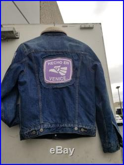 Custom Levi's Denim Sherpa Trucker Jacket Men's Size Small very very good condition custom patches and pin