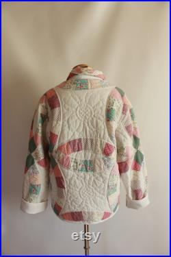 Double Wedding Rings Quilt Coat. Size Small. White, Pink and Green Floral Vintage Quilt. Cottage Colour Palate. Chore Style Jacket