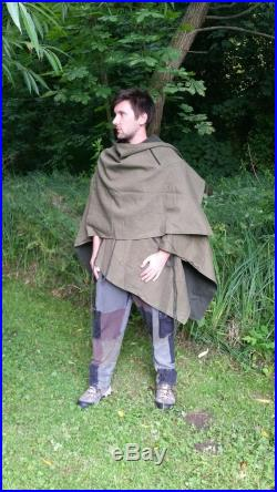Green Elven Utility Cloak with four Pockets