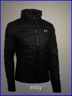 Under Armour Woman's ColdGear Navy Reactor Performance Hybrid Jacket With Hood. BRAND NEW With Tags Size Medium. Navy