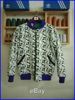 Vintage Mickey Mouse Bomber Jacket Reversible sweater Large size. embroidery logo.