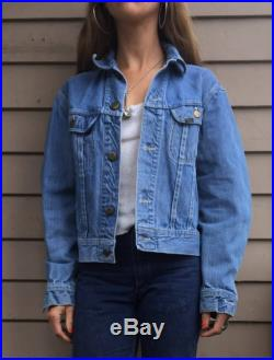 XS S 1960s Lee embroidered denim jacket jean trucker 60s hippie XS S extra small 0 1 2 3 4 sanforized made in USA America American made worn